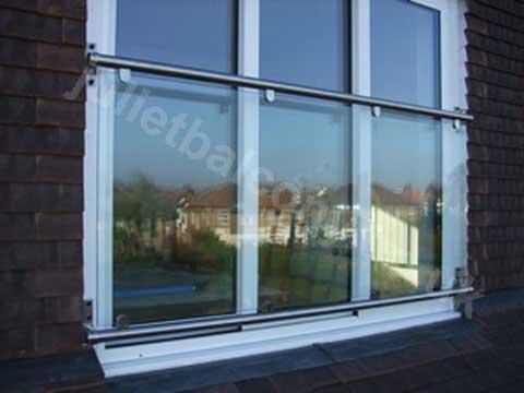 'Franklyn' glass balcony