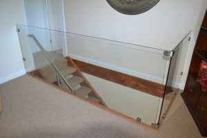 Glass-stair-guard-2