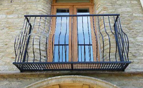 photo: Sorrento small platform juliet balcony