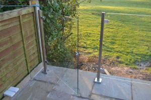 photo: Square Post Glass Balustrade  - door opening 2