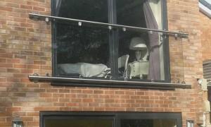 the balcony glass frame