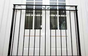 photo: Vantage juliet balcony railings