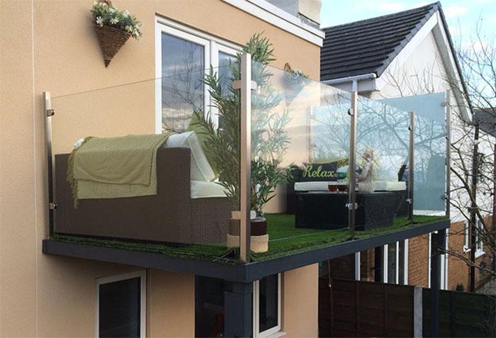 Glass platform balcony stylish outside space for Balcony platform